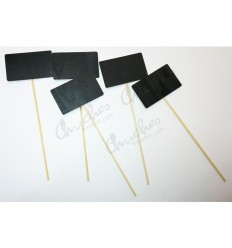 5 square boards with wooden stick