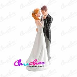 Wedding figure kiss in hand